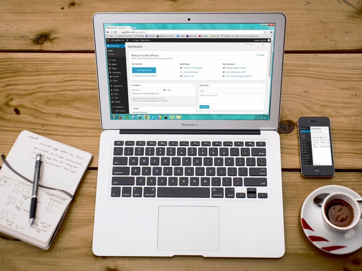 Wordpress, an open source CMS, is open on a MacBook Air.